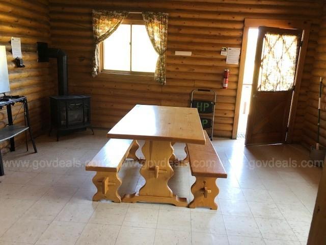 Image 3: Estes cabin