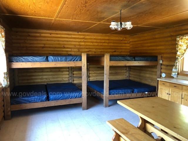 Image 4: Estes cabin