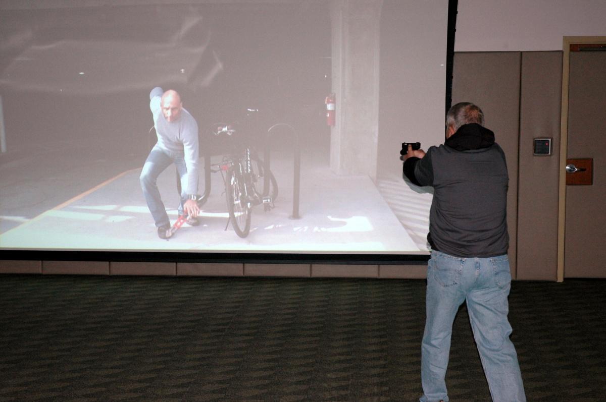 Imagen 1: uso del simulador de fuerza