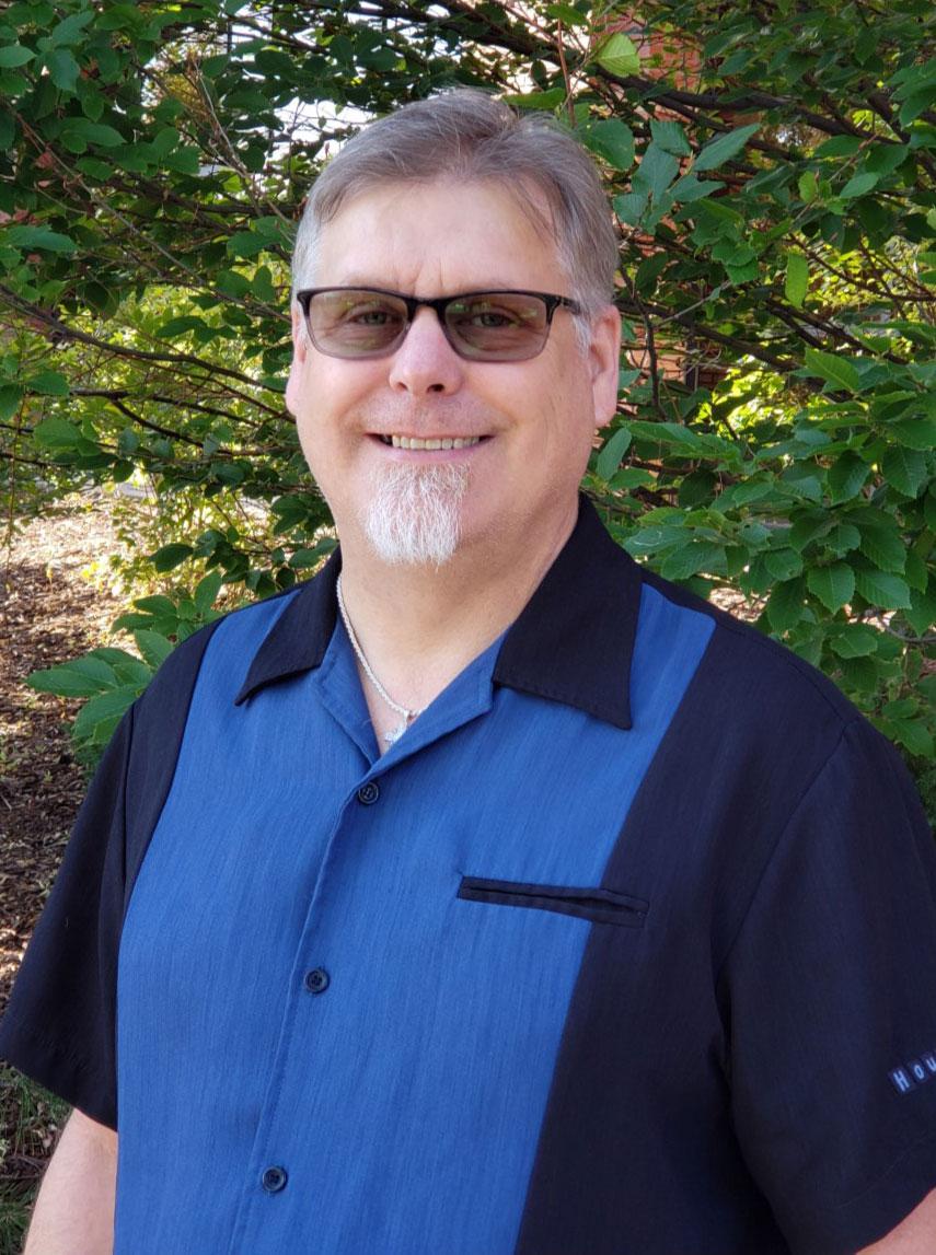 Imagen 3: Duffy Laudick, especialista del departamento II y representante acreditado de VA
