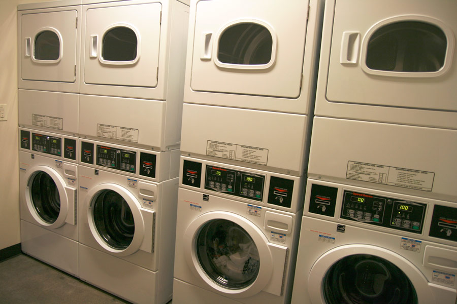 Image 10: Laundry Room