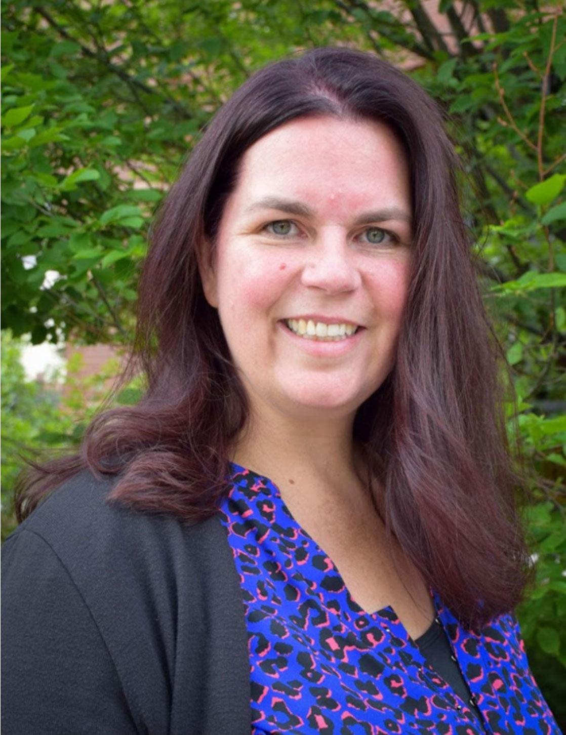 Imagen 2: Trisha Reynolds, supervisora de oficina y representante acreditado de VA