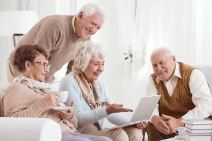 Enlace de servicios para adultos y personas mayores