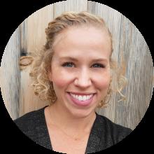 Ashley Pace- Especialista en comunicaciones