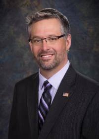 Imagen 1: Tom Gonazles, Director de Salud Pública